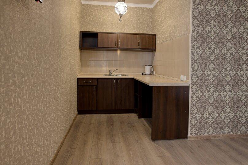 Отель «Enfes», улица Саковича, 16 на 14 номеров - Фотография 40