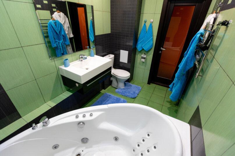 3-комн. квартира, 90 кв.м. на 8 человек, улица Авиаторов, 68, Красноярск - Фотография 16
