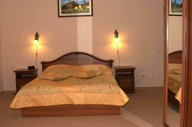 Люкс с двумя спальнями, село Трескол, поляна Азау, Эльбрус - Фотография 1