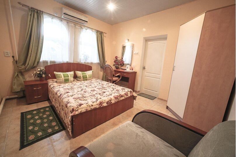 Абрикосовая комната, улица 8 Марта, 22, Феодосия - Фотография 6