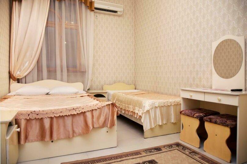 Трехместный номер с балконом, улица Ульянова, 9, Адлер - Фотография 2