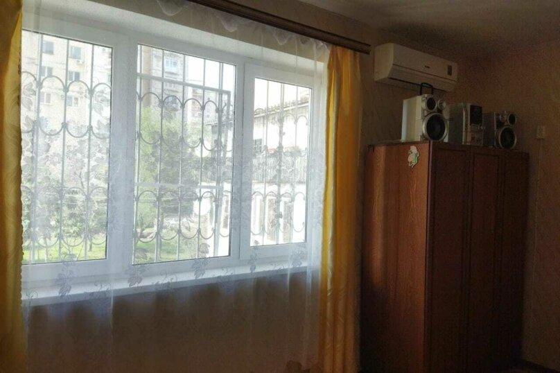 2-комн. квартира, 42 кв.м. на 5 человек, улица Лакоба, 8, Гагра - Фотография 4