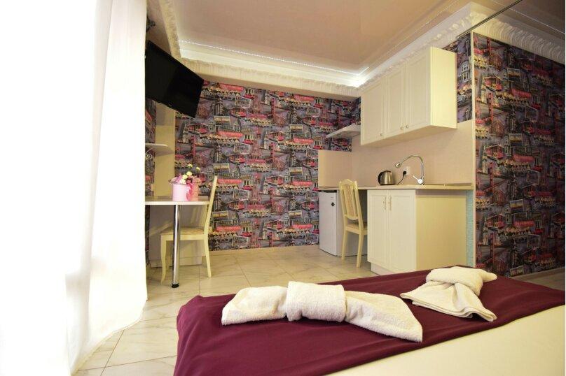 Люкс № 2 с кухней-студией, улица Мокроуса, 5, Феодосия - Фотография 1