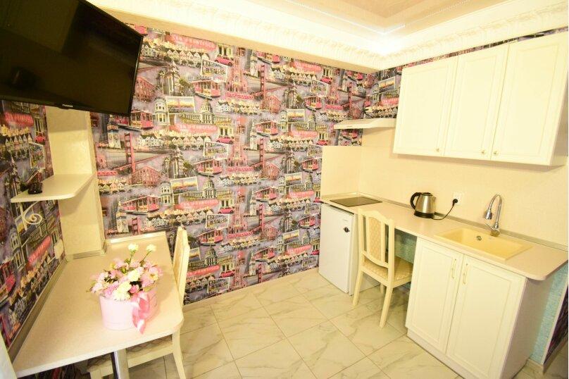 Люкс № 2 с кухней-студией, улица Мокроуса, 5, Феодосия - Фотография 6