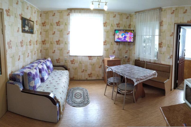Этаж коттеджа, 38 кв.м. на 4 человека, 1 спальня, улица Соловьёва, 30Б, Гурзуф - Фотография 3
