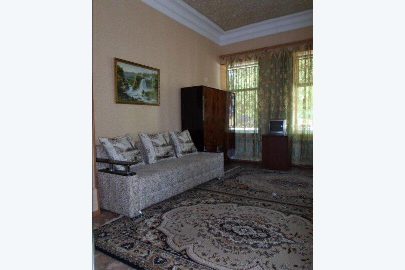 Дом, 60 кв.м. на 3 человека, 2 спальни, улица Янышева, 11, Ейск - Фотография 1