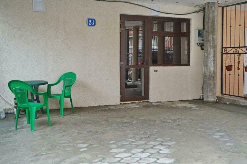 Дом 23, 67 кв.м. на 9 человек, 3 спальни, Кемпинг Импульс, 23, Ольгинка - Фотография 2