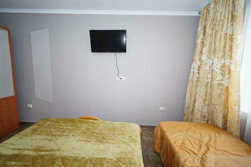 Дом 23, 67 кв.м. на 9 человек, 3 спальни, Кемпинг Импульс, 23, Ольгинка - Фотография 4