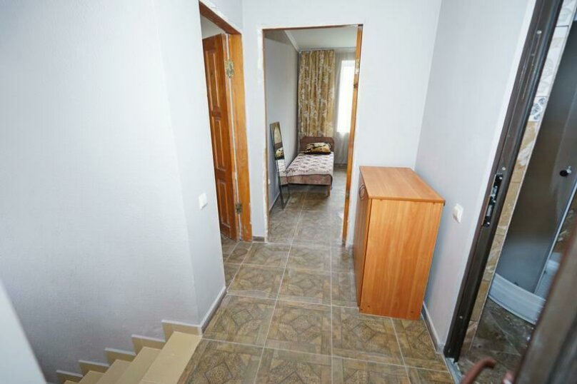 Дом 23, 67 кв.м. на 9 человек, 3 спальни, Кемпинг Импульс, 23, Ольгинка - Фотография 8