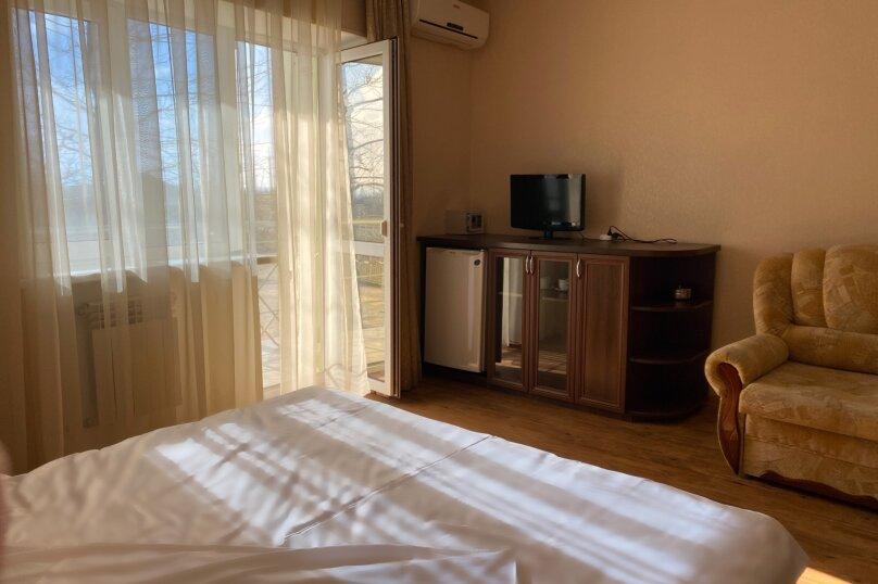 1 комнатный (трехместный) люкс, Степная улица, 9, Щелкино - Фотография 1