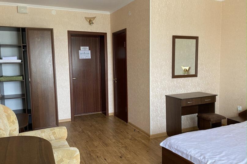 1 комнатный (трехместный) люкс, Степная улица, 9, Щелкино - Фотография 2