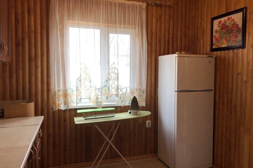"""Уютный дом, 130 кв.м. на 18 человек, 5 спален, СНТ """"Чайка"""" Абрикосовая, 45, Севастополь - Фотография 11"""