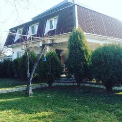 Гостевой дом «Мавропуло», Черноморская улица, 50 на 7 комнат - Фотография 1