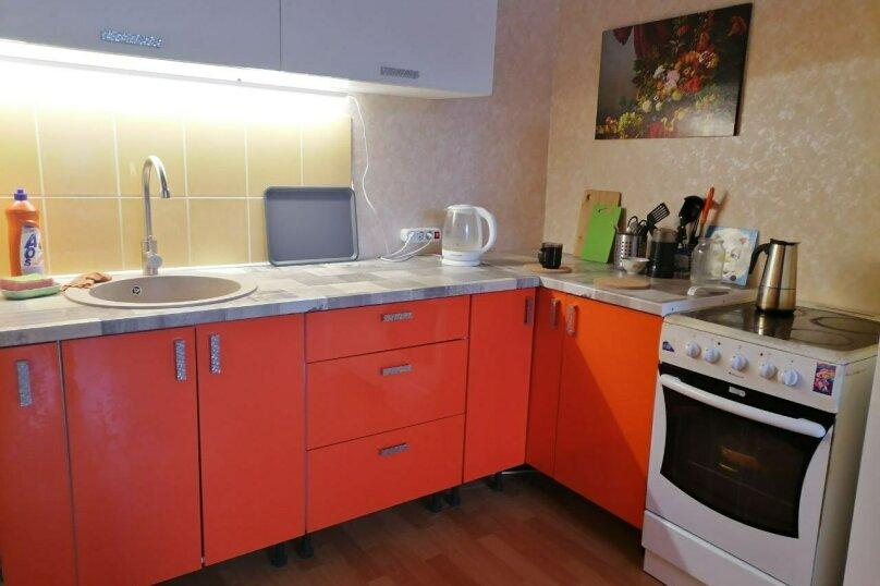 2-комн. квартира, 56 кв.м. на 4 человека, улица Мира, 2к3, Осташков - Фотография 2