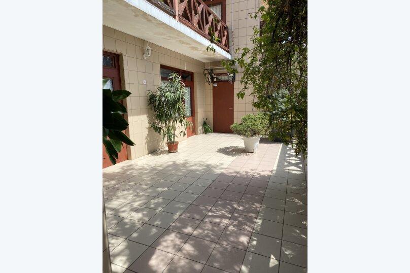 """Гостевой дом """"Куршавель"""", улица Михаила Баранова, 18 на 17 комнат - Фотография 35"""