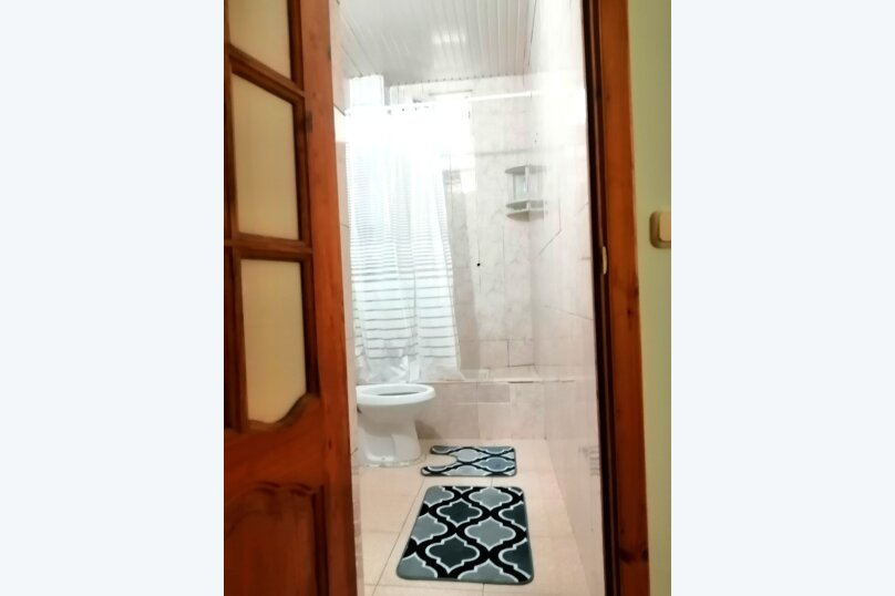 Гостевой дом «Guest House na Izvestiya Eko Layt» , Известинская, 31 на 11 комнат - Фотография 41