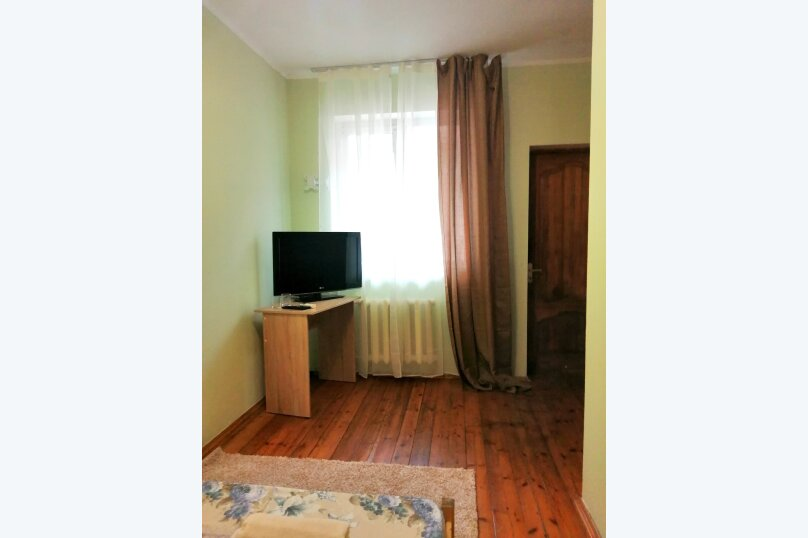 Гостевой дом «Guest House na Izvestiya Eko Layt» , Известинская, 31 на 11 комнат - Фотография 42