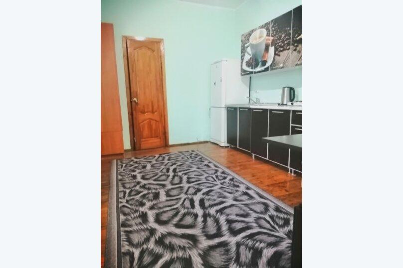 Гостевой дом «Guest House na Izvestiya Eko Layt» , Известинская, 31 на 11 комнат - Фотография 45