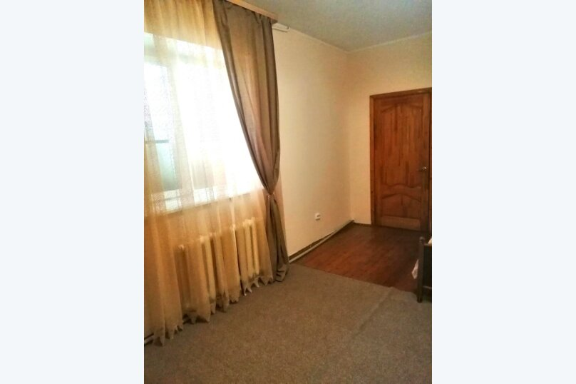 Гостевой дом «Guest House na Izvestiya Eko Layt» , Известинская, 31 на 11 комнат - Фотография 49