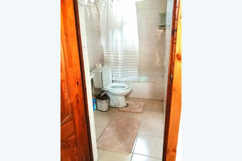 Гостевой дом «Guest House na Izvestiya Eko Layt» , Известинская, 31 на 11 комнат - Фотография 3