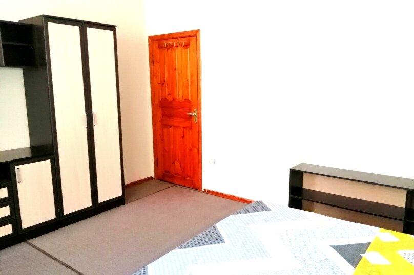 Гостевой дом «Guest House na Izvestiya Eko Layt» , Известинская, 31 на 11 комнат - Фотография 17