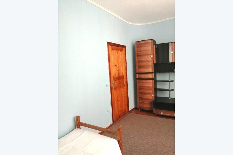 Гостевой дом «Guest House na Izvestiya Eko Layt» , Известинская, 31 на 11 комнат - Фотография 22