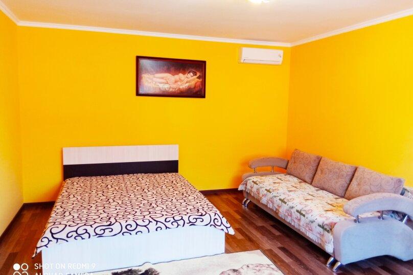 Дом, 74 кв.м. на 6 человек, 2 спальни, Дружбы, 32, Штормовое - Фотография 1