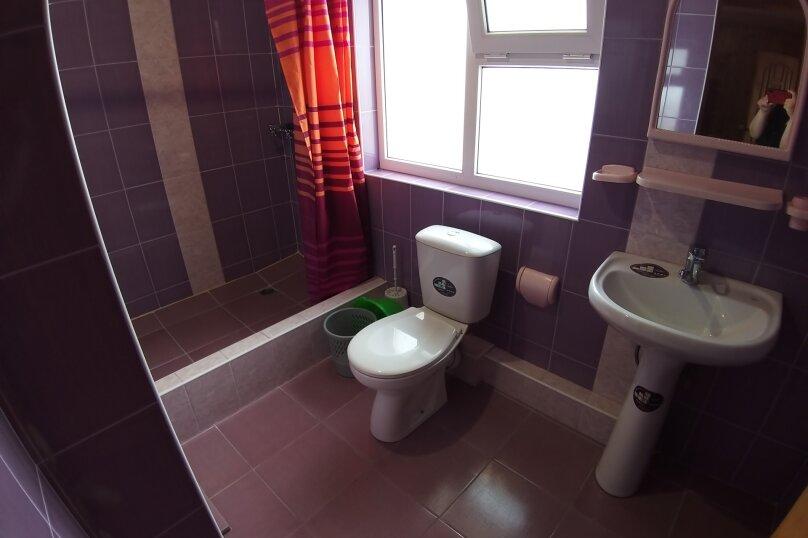 """Гостевой дом """"ДиКи"""", Керченская улица, 12Б на 13 комнат - Фотография 24"""