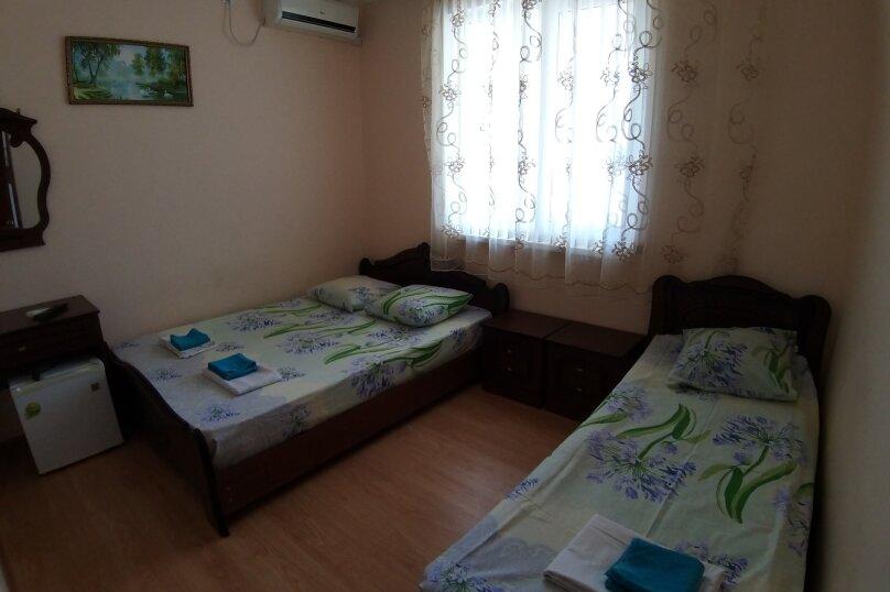 """Гостевой дом """"ДиКи"""", Керченская улица, 12Б на 13 комнат - Фотография 8"""