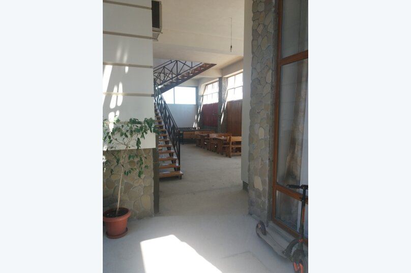 Гостевой дом, улица Шакир Селим, 5 на 5 комнат - Фотография 1