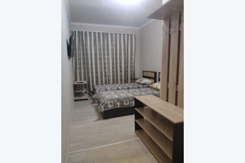 Номер Полулюкс с 2 раздельными кроватями. Душ, с/у в номере, Озёрная улица, 27, Геленджик - Фотография 4