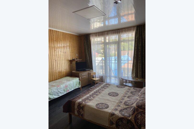 # 9 Трехместный номер  с балконом № 9, Кольцевая улица, 2, Лазаревское - Фотография 1