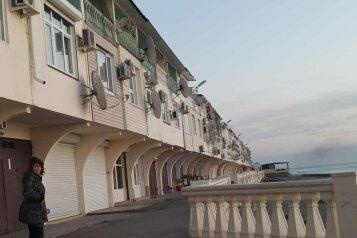Номера с видом на море, Азовская улица, пом. 85-88 на 3 номера - Фотография 1