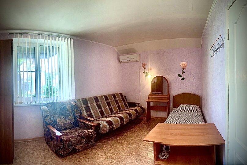 3-х местный номер без балкона / 3-й этаж / комната 4, Северная улица, 9А, Дивноморское - Фотография 1