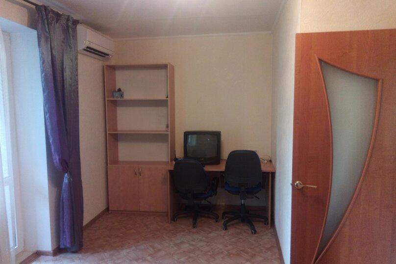 1-комн. квартира, 35 кв.м. на 3 человека, проспект Октябрьской Революции, 32, Севастополь - Фотография 2