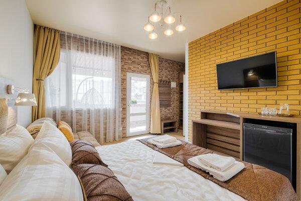 """Гостевой дом """"Велес Инн"""", переулок Танкистов, 11Г на 11 комнат - Фотография 1"""