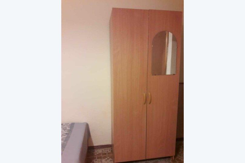 3-х местный ЭКОНОМ (с телевизором, вентилятором и общей ванной комнатой) , улица Мира, 125А, Витязево - Фотография 3