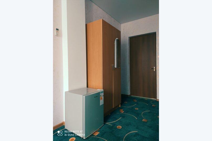 Гостевой дом Альпийский двор, улица Толмазова, 56 на 26 комнат - Фотография 17