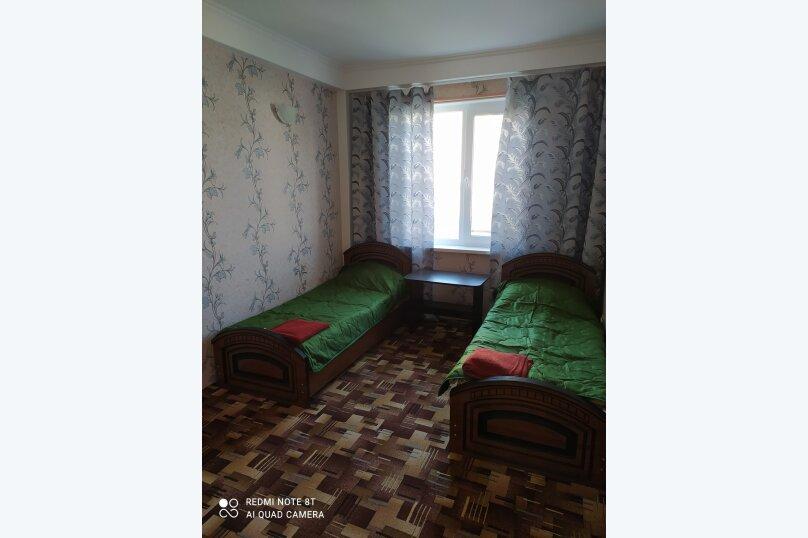 Гостевой дом Альпийский двор, улица Толмазова, 56 на 26 комнат - Фотография 31