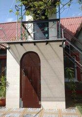 Дом, 150 кв.м. на 8 человек, 4 спальни, улица Хрущёва, 17, Севастополь - Фотография 1