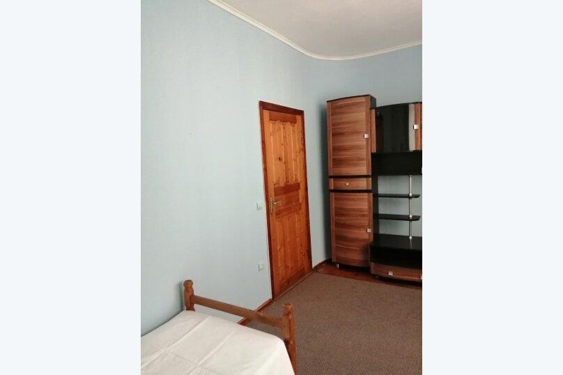 Гостевой дом «Guest House na Izvestiya Eko Layt» , Известинская, 31 на 11 комнат - Фотография 37