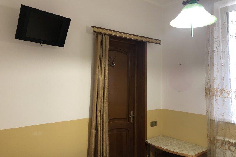 """Гостевой дом """"Вокруг света"""", Керченская улица, 18 на 23 комнаты - Фотография 20"""
