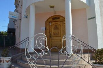 """Отель """"Виктори"""", улица Чехова, 38 на 10 номеров - Фотография 1"""
