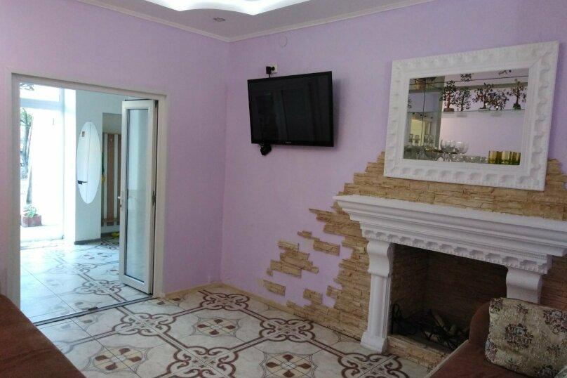 2-комн. квартира, 40 кв.м. на 5 человек, улица Караева, 8, Евпатория - Фотография 1