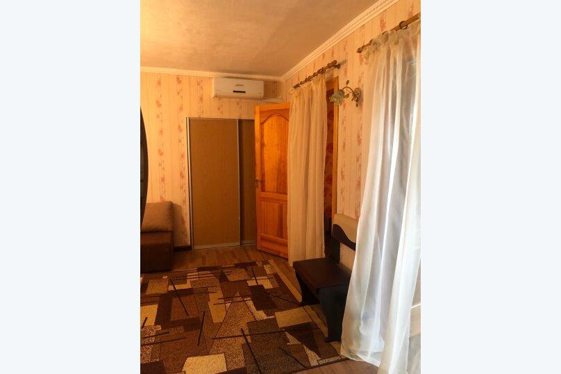 3-комн. квартира, 50 кв.м. на 6 человек, улица Ленина, 13, Штормовое - Фотография 6