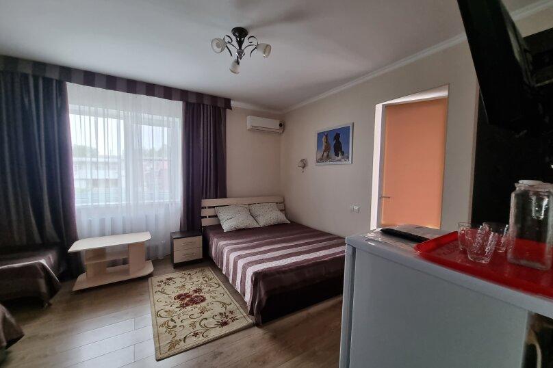 Четырехместный номер с балконом, улица Тургенева, 222, Анапа - Фотография 7