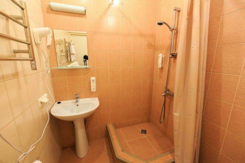 Стандартная комната с широкой кроватью , Большая Конюшенная улица, 25, Санкт-Петербург - Фотография 5