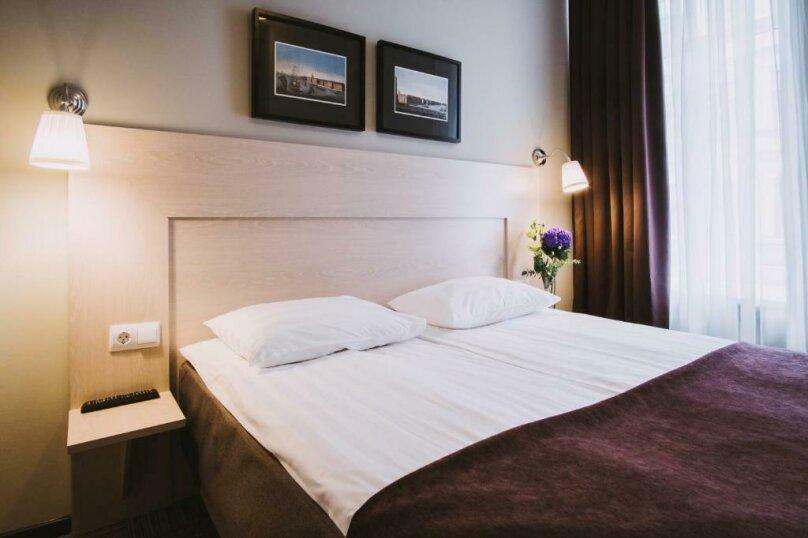 Стандартная комната с широкой кроватью , Большая Конюшенная улица, 25, Санкт-Петербург - Фотография 6