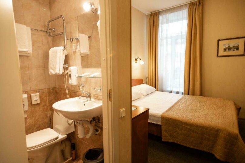 Стандартная комната с широкой кроватью , Большая Конюшенная улица, 25, Санкт-Петербург - Фотография 7