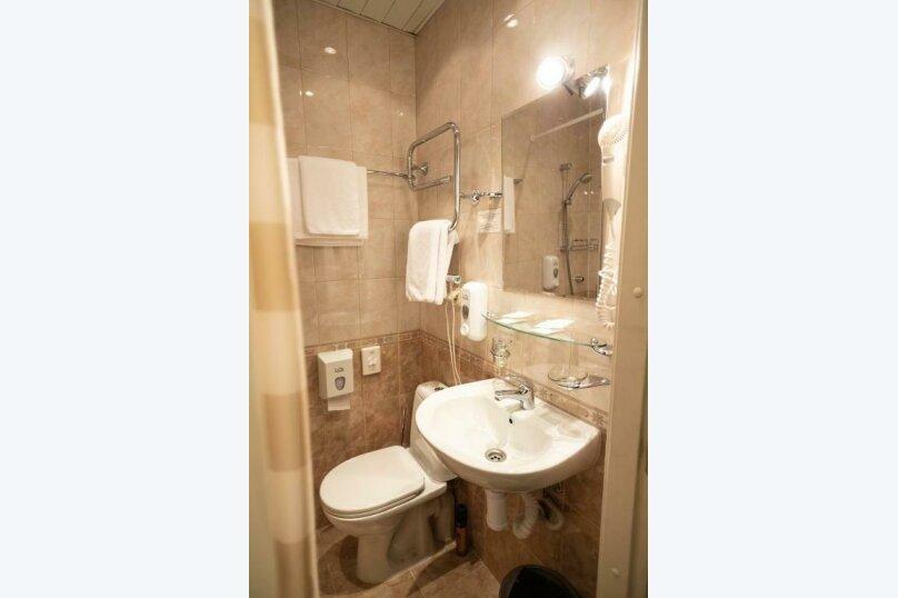 Стандартная комната с широкой кроватью , Большая Конюшенная улица, 25, Санкт-Петербург - Фотография 8